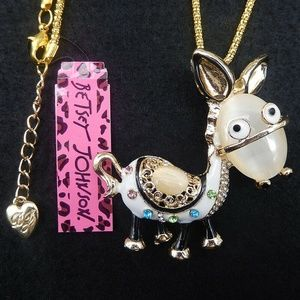 NWT White Donkey Necklace, Betsey Johnson,